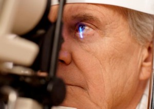 Ophthalmic medical assistant